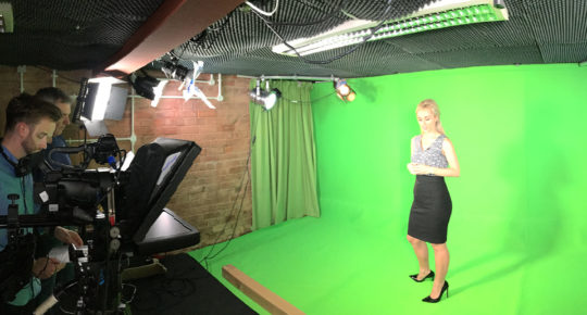 Behind the scenes of green screen
